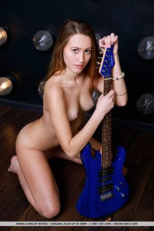 Monica 4329