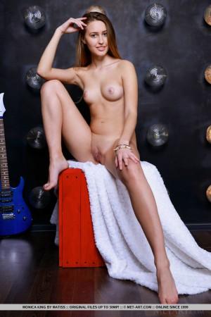 Monica 4331