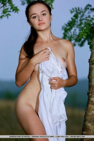Jennifer 4884