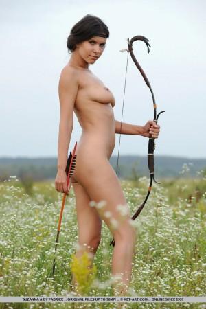 Suzanna 5058