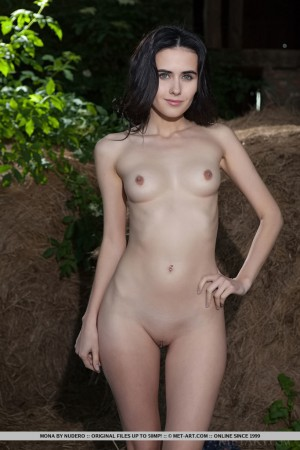 Mona 5682