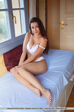 Angelina 8083
