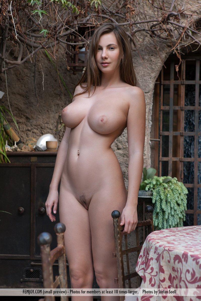 Josephine 1463